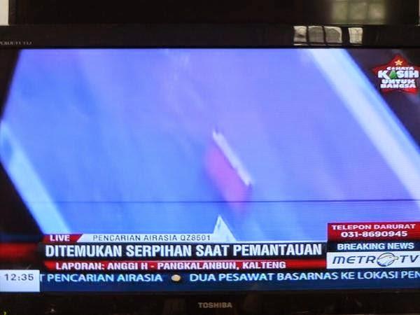 10 Gambar Serpihan Barang Jasad Didakwa Milik Pesawat QZ8501