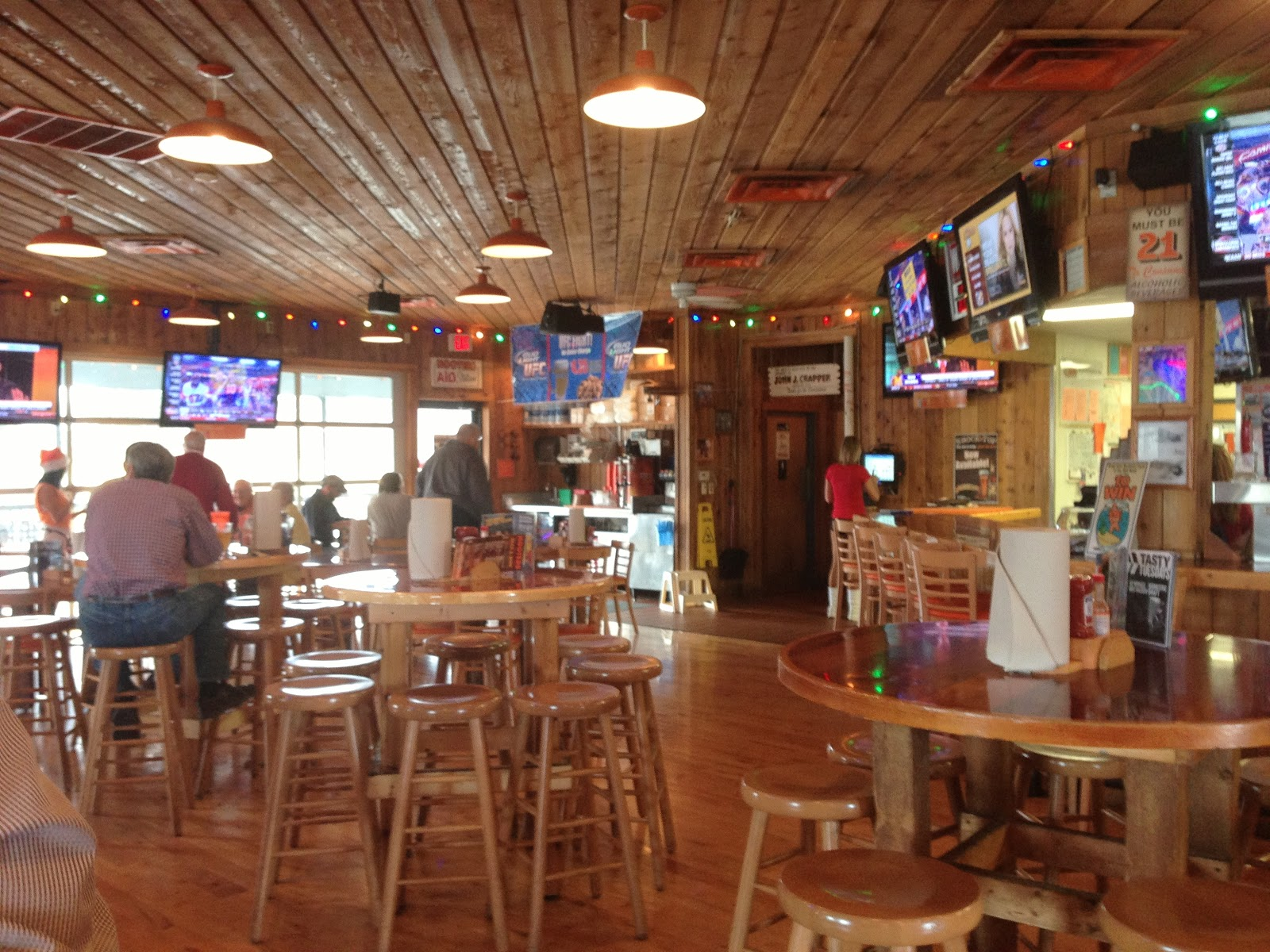 Central Il Culinary Delights Hooters