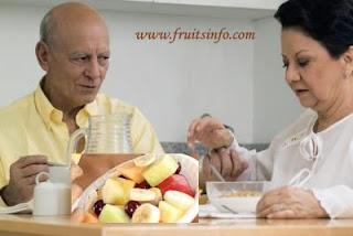 Diabetics eat fruits