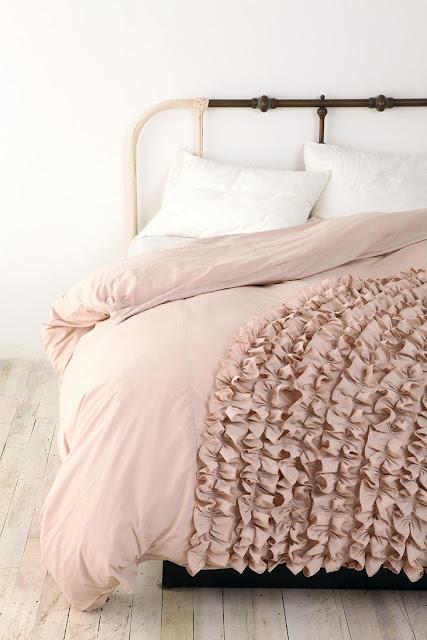 pellmell cr ations planche d 39 inspiration pour une chambre rose poudr e. Black Bedroom Furniture Sets. Home Design Ideas