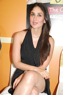 Kareena kapoor hot legs pic