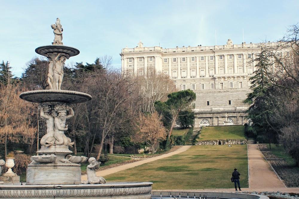 Detrás del Palacio Real están los Jardines del Campo del Moro