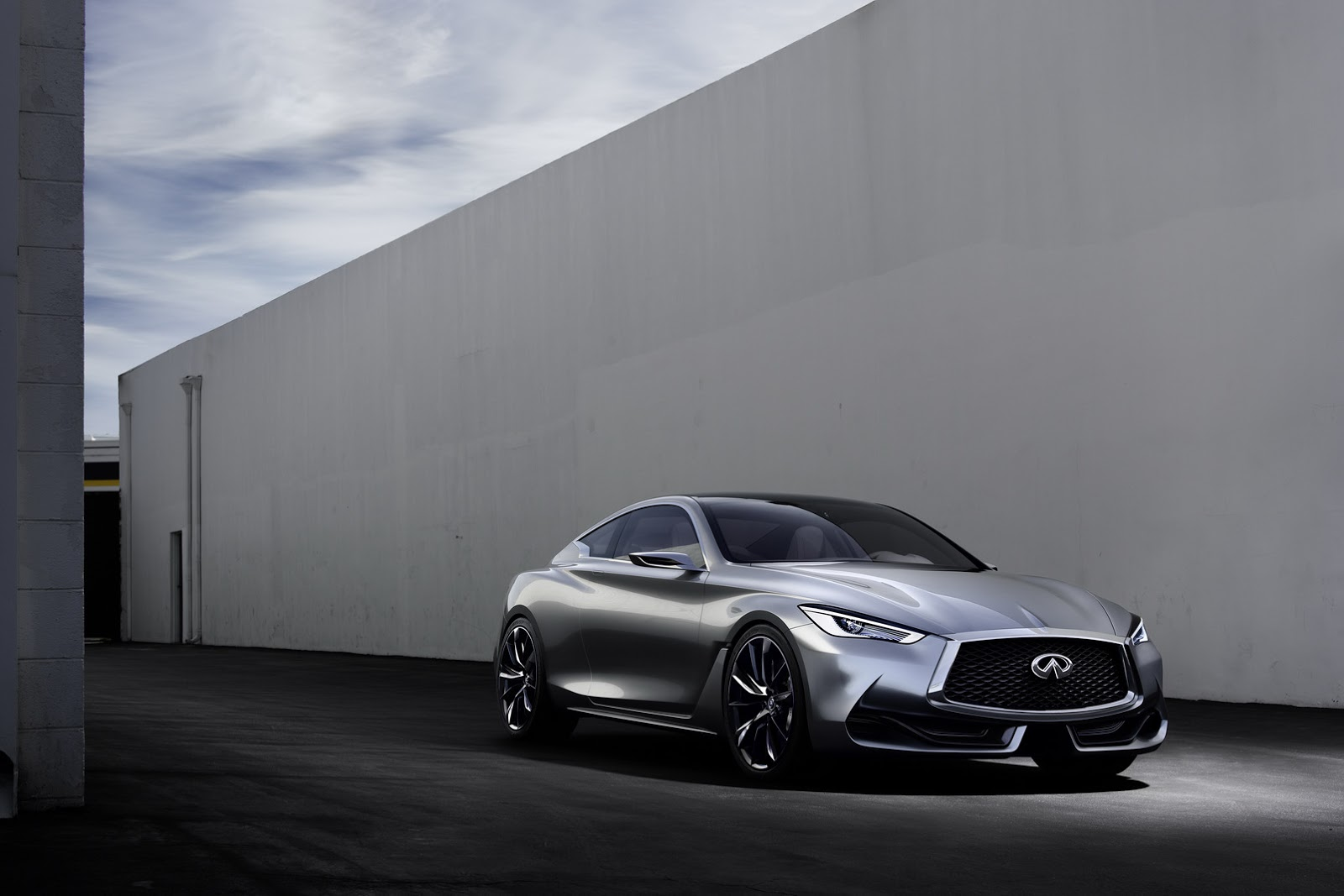 Infinitis q60 coupe concept in 60 pics and on video gets new photo gallery vanachro Image collections