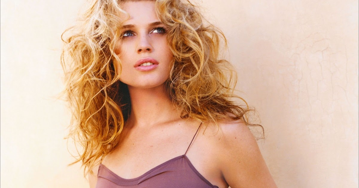 rebecca romijn biographie - photo #19
