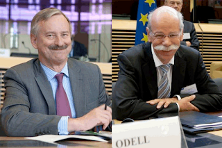 Siim Kallas, Vice President of the EC  in charge of Transport (left), and Dieter Zetsche, Chairman of Daimler AG and Head of Mercedes-Benz Cars, at yesterday's CARS 21 group meeting.