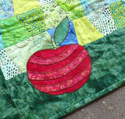 Fin detalje med striber på æblet