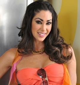 Melissa Loza bien maquillada y hermosa