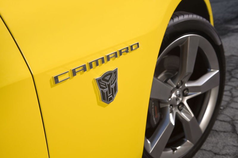 chevy camaro logo. Chevrolet Camaro Logo near the