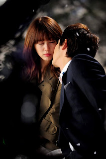 lie to me, sinopsi lie to me, ending cerita lie to me, drama korea, kisah romantis /></a></td></tr> <tr style=