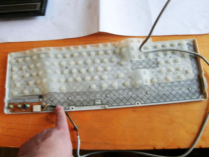 чем мыть клавиатуру ноутбука видео