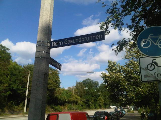 Witziger Straßen Name: Beim GESUNDBRUNNEN