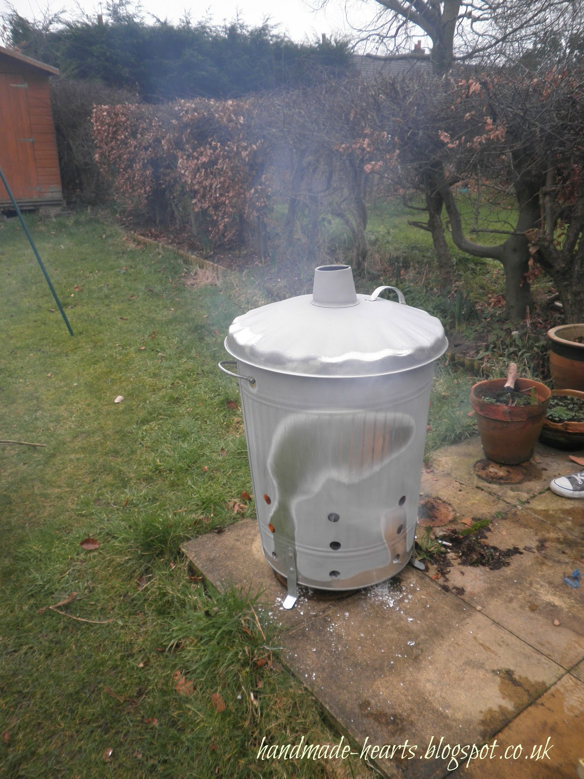Garden incinerator 2015raparperisydan for Household incinerator design