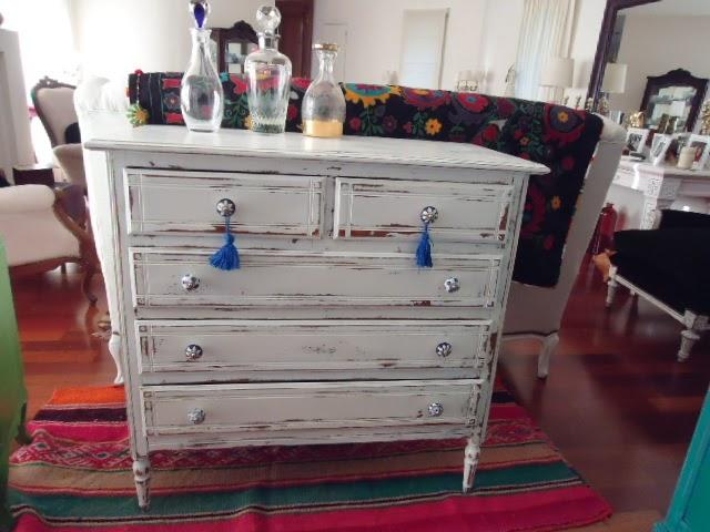 Vintouch muebles reciclados pintados a mano comoda blanca decapada tiradores de ceramica 5 - Tiradores de cajones ...