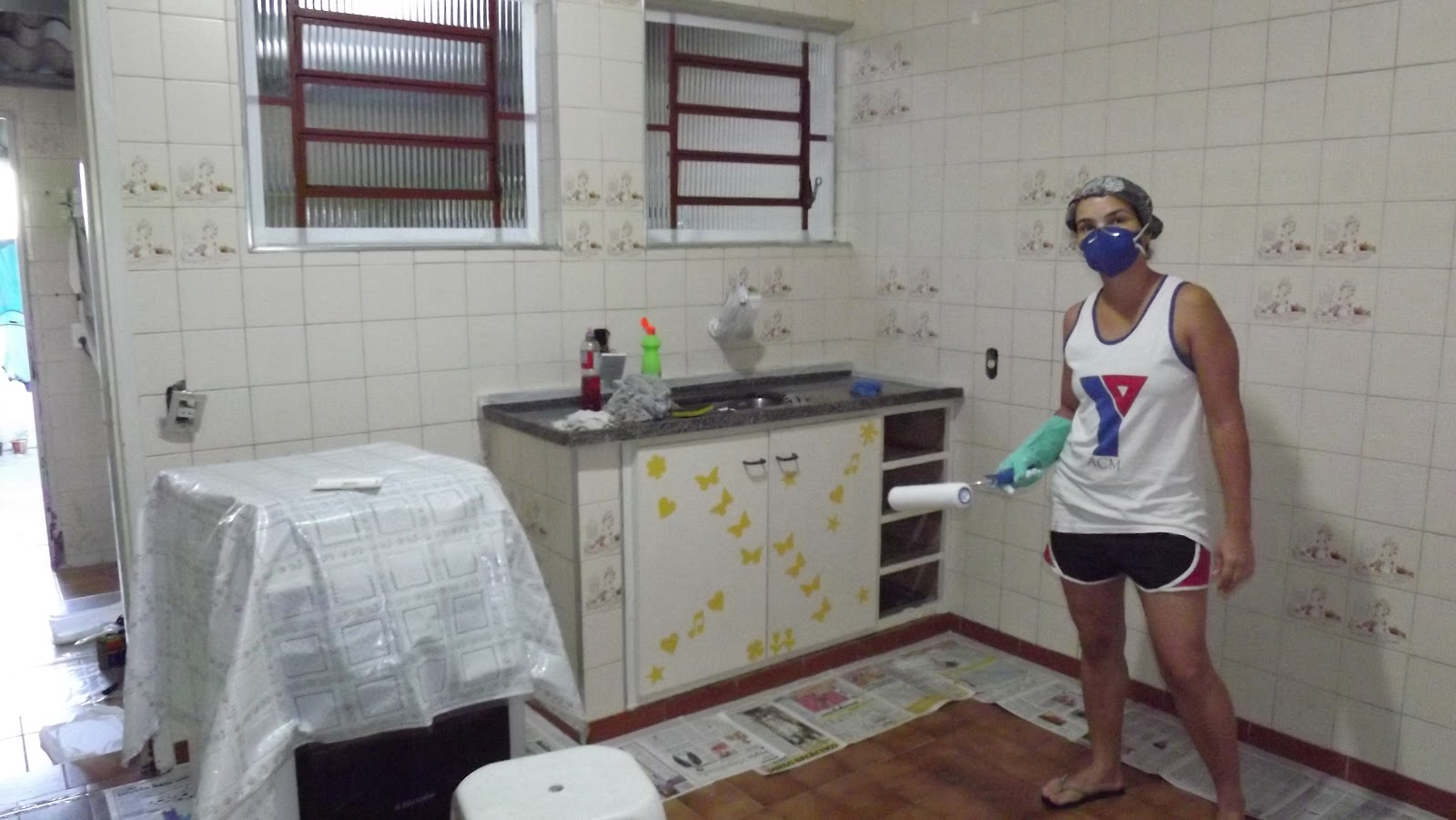 Renata Costa Arquiteta: Azulejo velho   tinta epóxi = cozinha nova #74684A 1600x901 Banheiro Azulejo Pintado