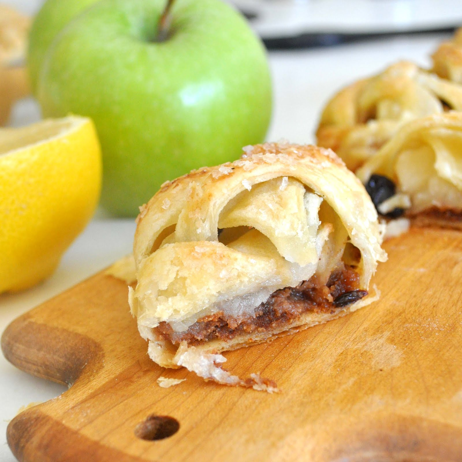 how to make individual apple strudel