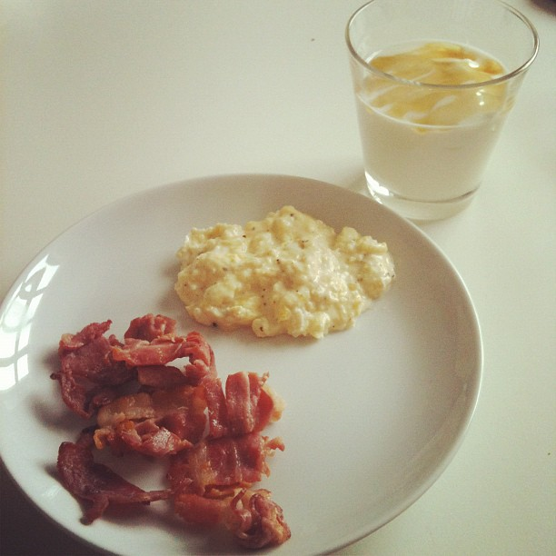scrambled eggs and bacon, yoghurt with honey