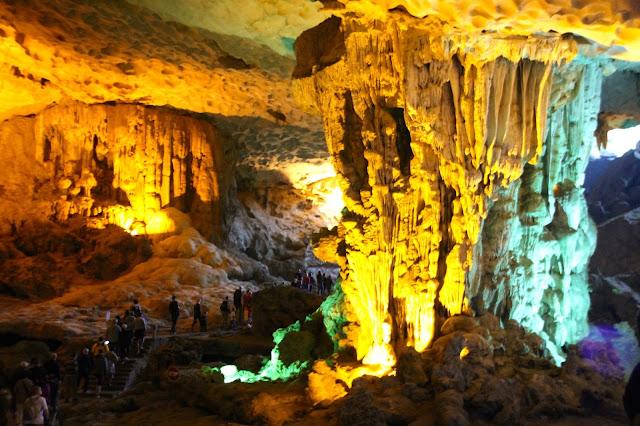 Caverna Sung Sot (Cave) em Halong Bay