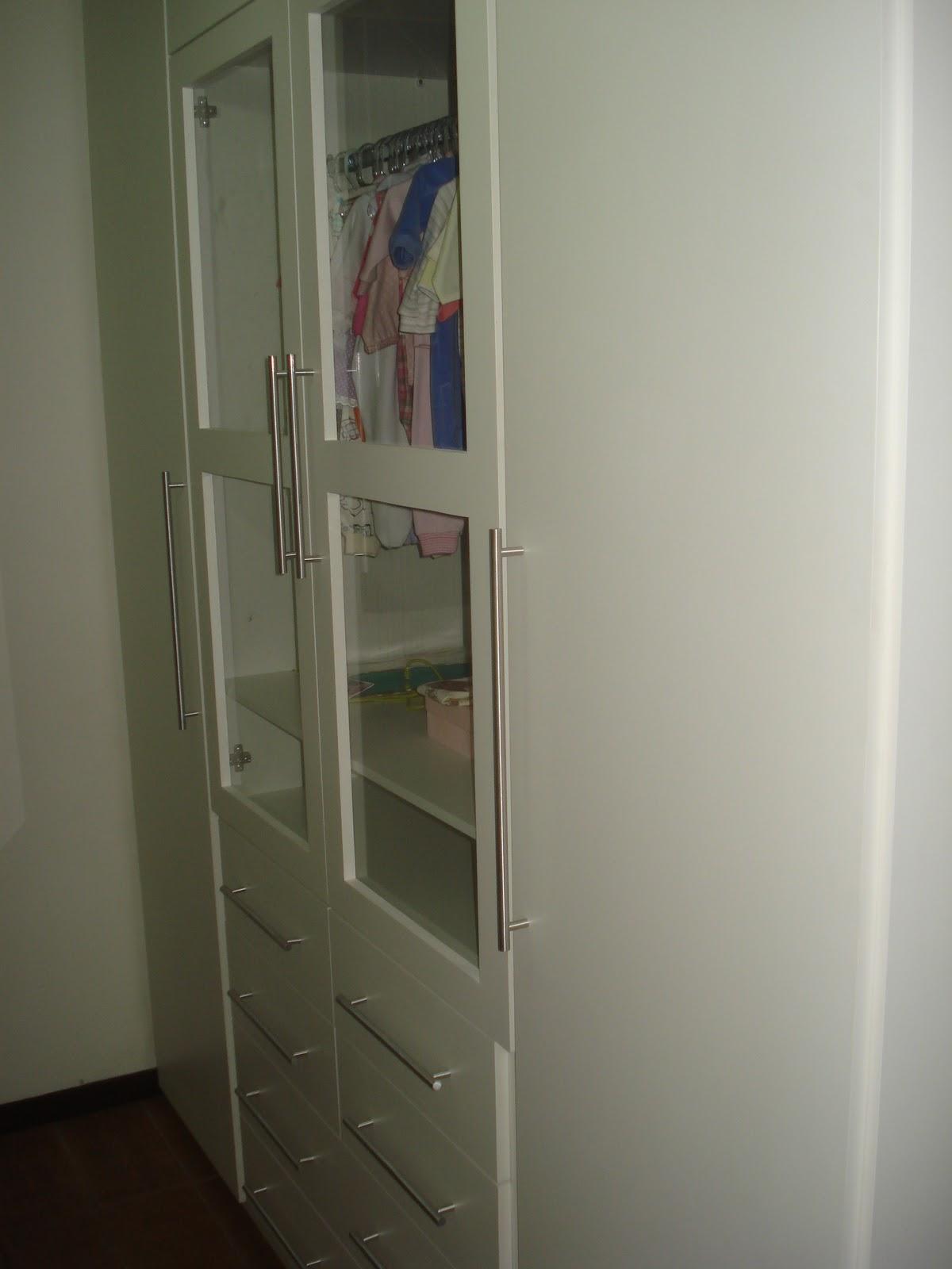 #5B4F41 Armário de Quarto Branco com Portas de Vidro e Puxadores em Haste de  1004 Portas E Janelas De Aluminio Belo Horizonte