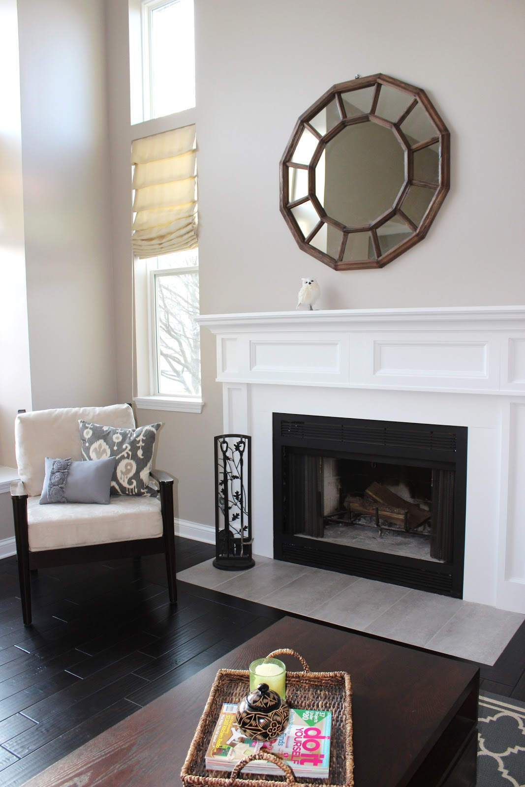 Mirror mirror on the wall 8 fireplace decorating ideas for Decor over fireplace