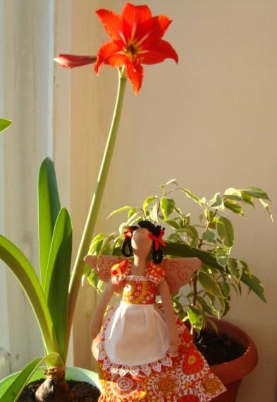 фото куклы с цветами