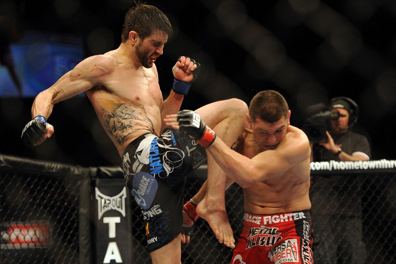 http://3.bp.blogspot.com/--d9mYMNuVh4/T0NsXz72IkI/AAAAAAAAE9M/55wTVHsza_U/s1600/2012-02-05T023540Z_464251436_NOCID_RTRMADP_3_MMA-UFC-143.jpg