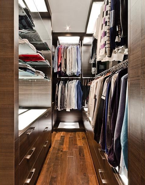 Picture of walk in closet