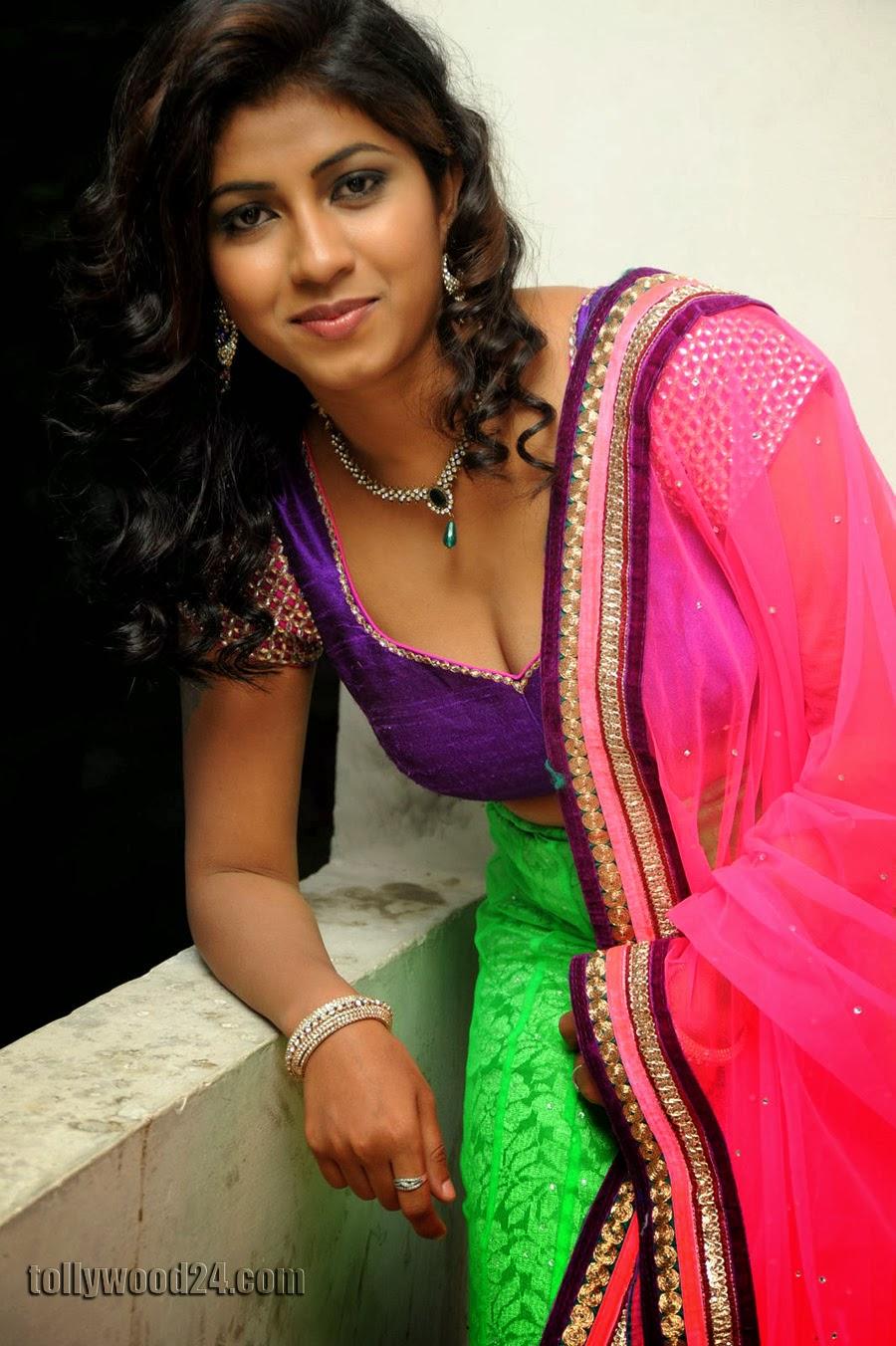 Geethanjali hot pics at Oka Roju Em Jarigindi-HQ-Photo-5