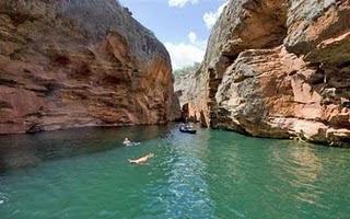 Castelhanos/ ES - Praia paradisíaca formada por corais.
