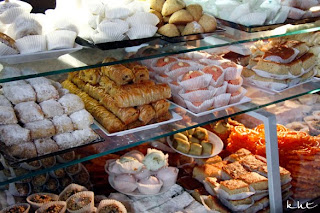 Cafe-Maure-Paris-assorted-sweets