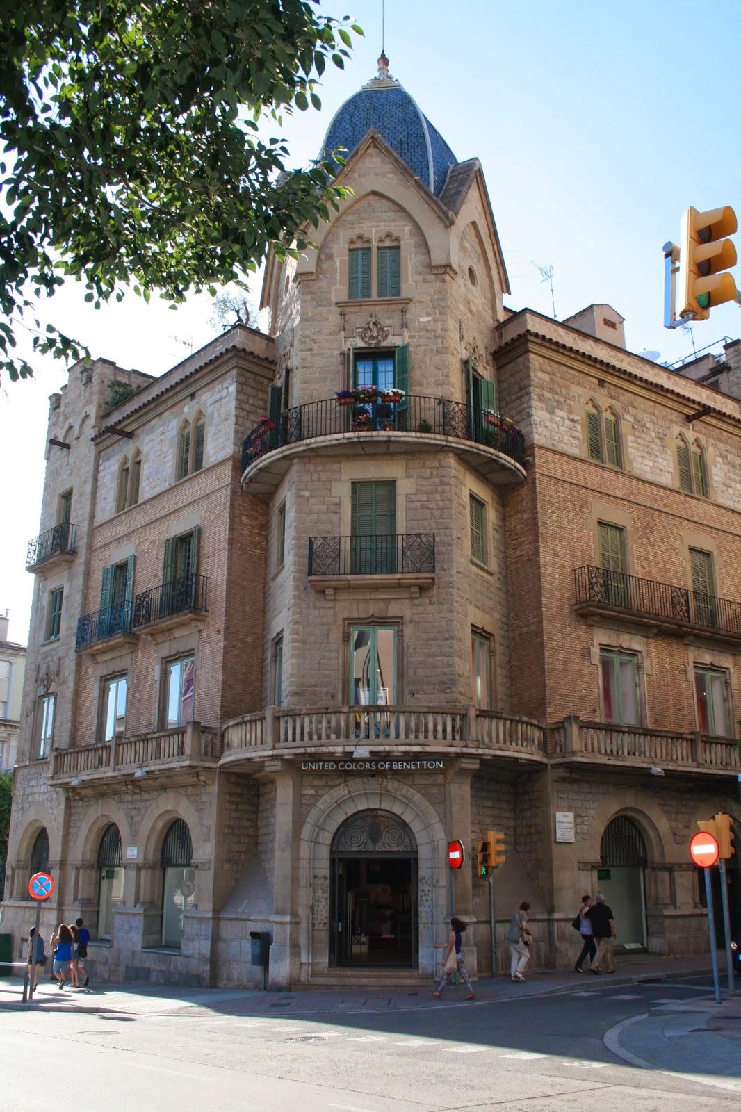 Con ixer catalunya casa de cultura de la caixa de pensions per a la vellesa i d estalvis de - Caixa d estalvis i pensions de barcelona oficinas ...