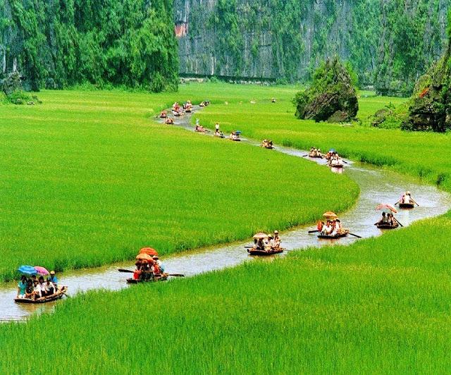 karst landscape vietnam