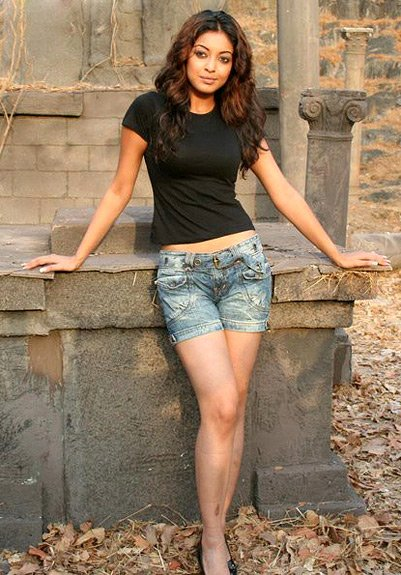 Who Has Hottest Legs In Bollywood gallery pictures