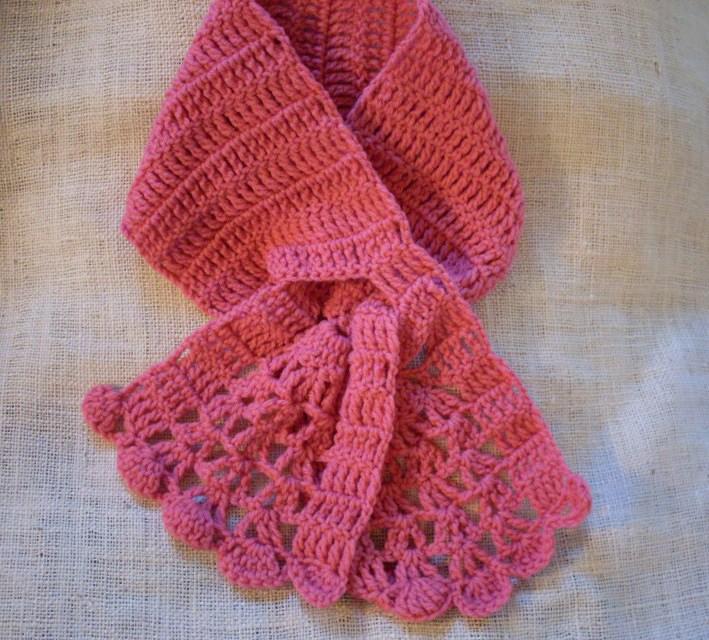 Crochet Pattern Keyhole Scarf : Craftybegonia: Evalisse