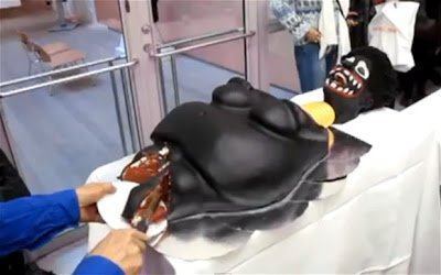 Racist Cake Artist : RESPECT BLACK: Apparently Black Woman Mutilation In Black ...