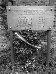 13 Maggio 1945  Voghera- la targa in memoria  posta al castello visconteo