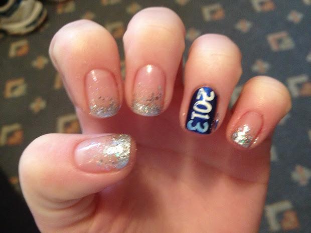 weeklywackynails year's nail