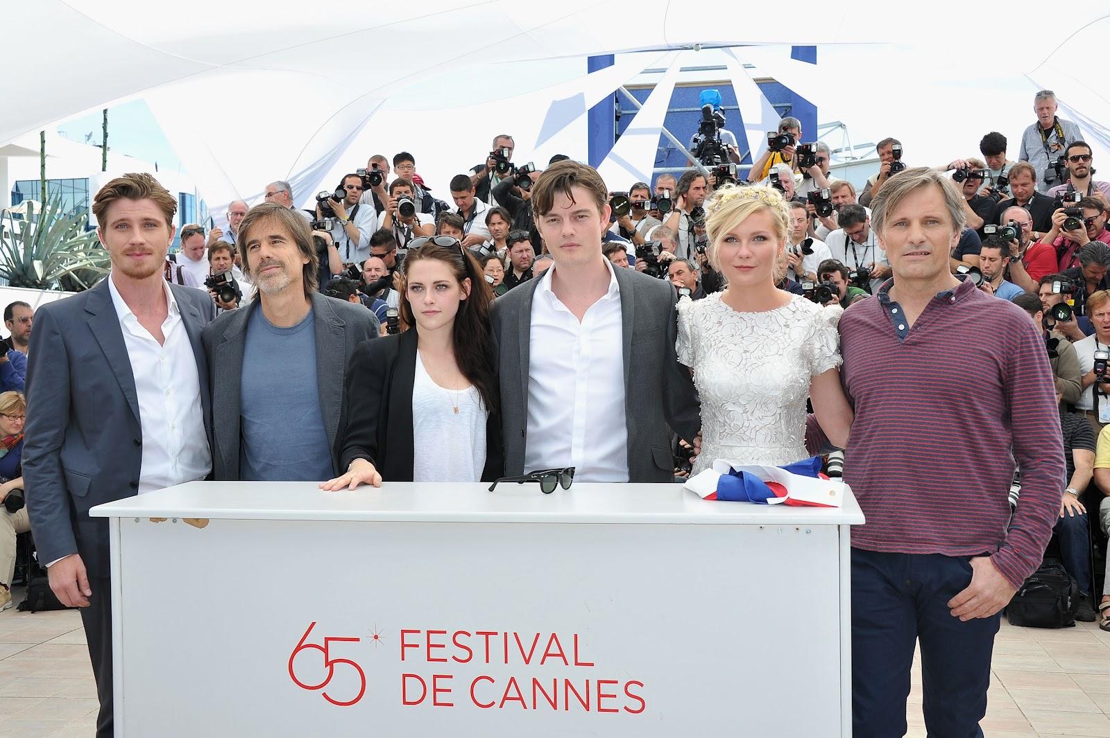 http://3.bp.blogspot.com/--eGzy3SuI0I/T7zNfz9yEdI/AAAAAAAAIW8/-Ri9MT7FVOs/s1600/Cannes+photocall+13+hq.jpg