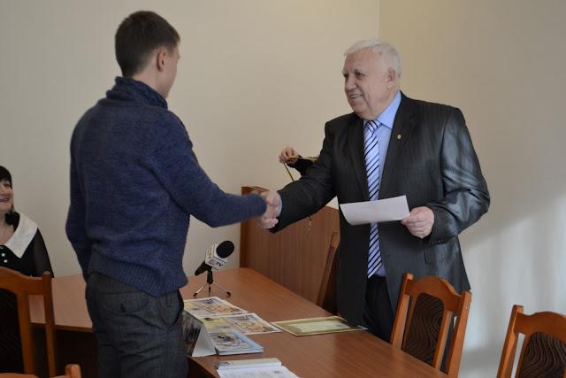 За результатами І етапу олімпіади з економіки троє випускників 2012 року Врадіївської гімназії посіли призові місця.