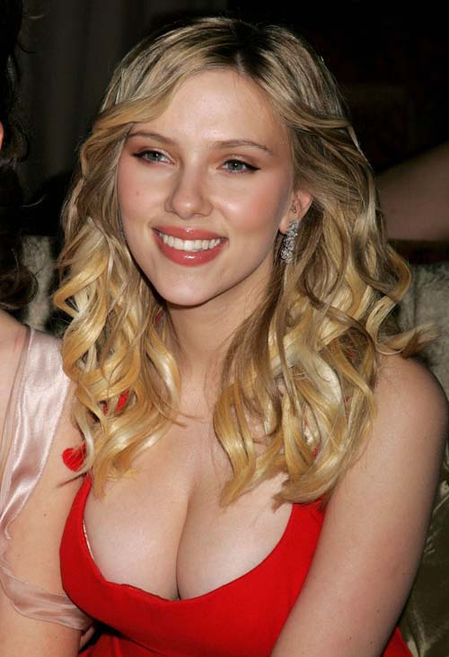 Hollywood actress scarlett johansson hot pictures imagebuzz for Nudiste piscine