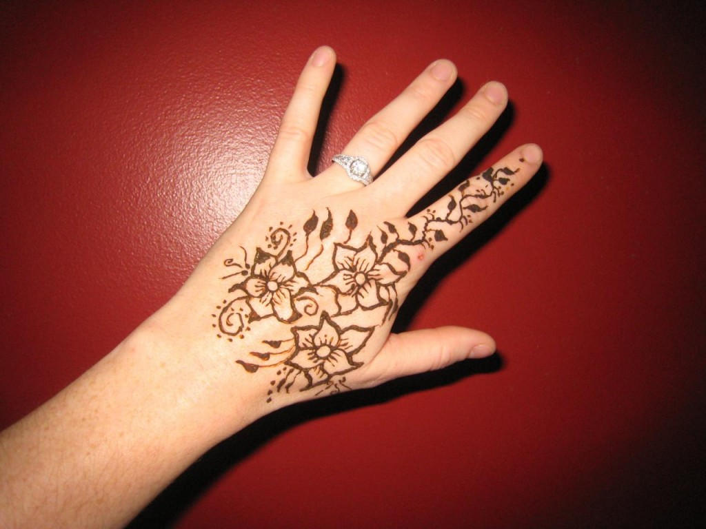 Flower Mehndi Designs For Back Hands : Simple mehndi designs for girlsliteratura por un tubo