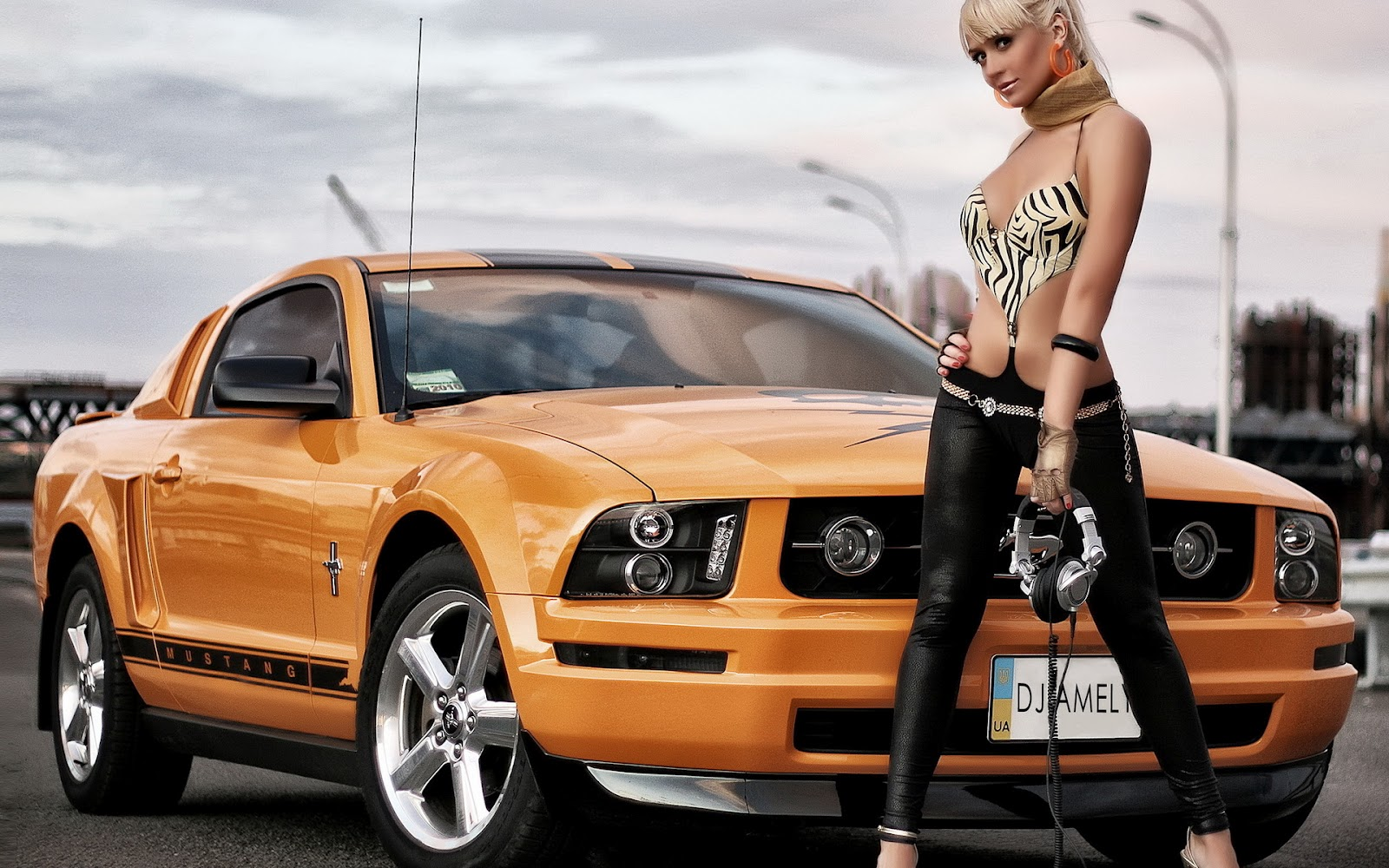 Nude women withmustangs 5