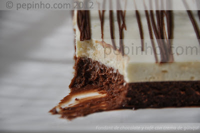 Fondant de chocolate y caf con chantilly a la crema de gisqui