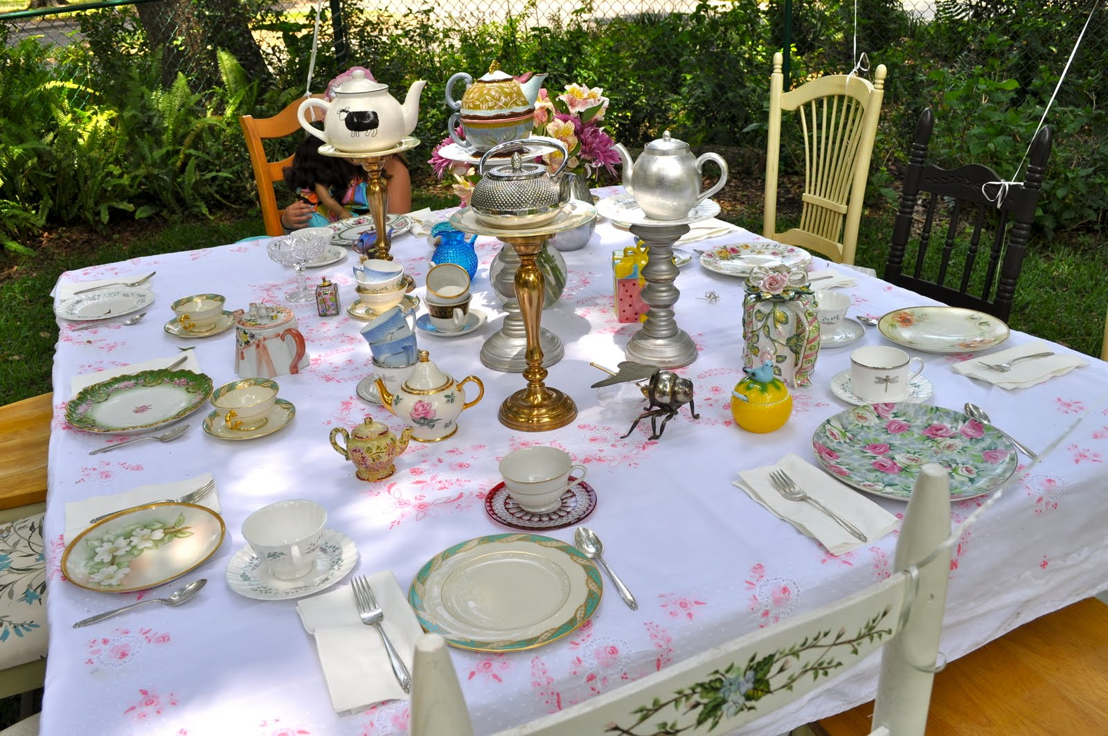 ewe hooo a delightful doll tea party. Black Bedroom Furniture Sets. Home Design Ideas