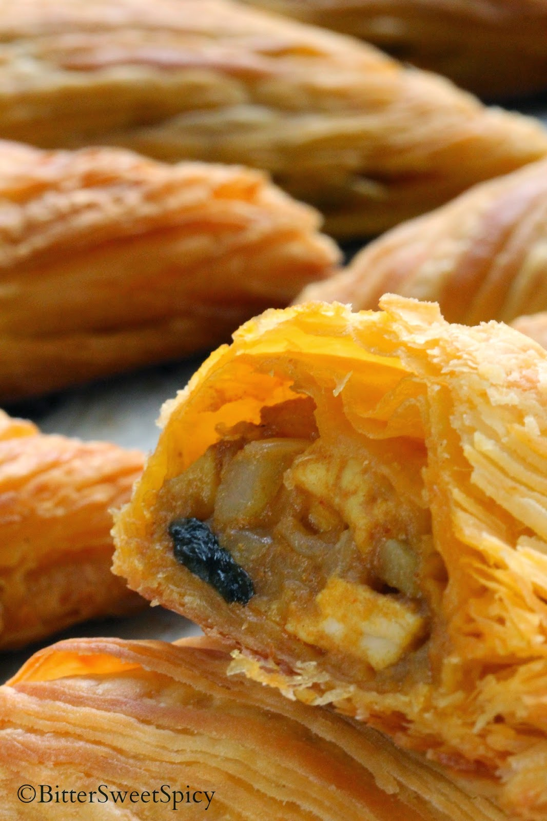 curry puff Spiral curry puffs, also known as karipap pusing (螺旋咖喱角) are a tasty and favourite asian snack especially in malaysia and singapore they are quite similar to the.