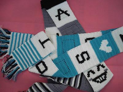 Học cách đan chữ lên khăn len 1
