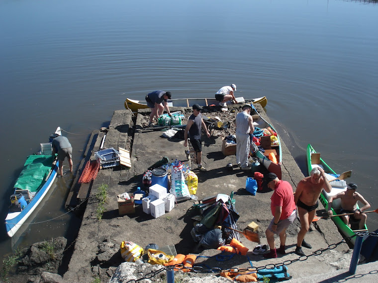 """Plataforma de embarque del Club de Pescadores """"El Ayuí"""" Mercedes"""