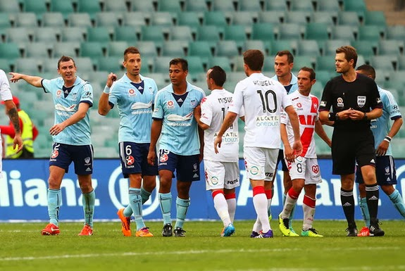 Sydney FC players mock Harry Kewell after he missed a penalty for Melbourne Heart