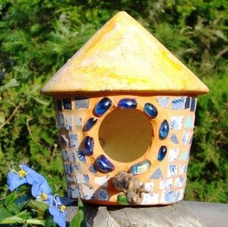 Mil ideas para la casa y el jardin casas para aves - Casa para pajaros ...