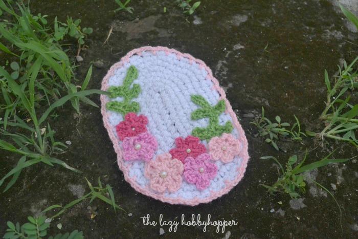 The Lazy Hobbyhopper: Crochet medallion with flowers