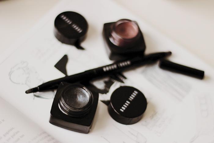 Bobbi Brown long-wear gel sparkle shadow meets liner blog review